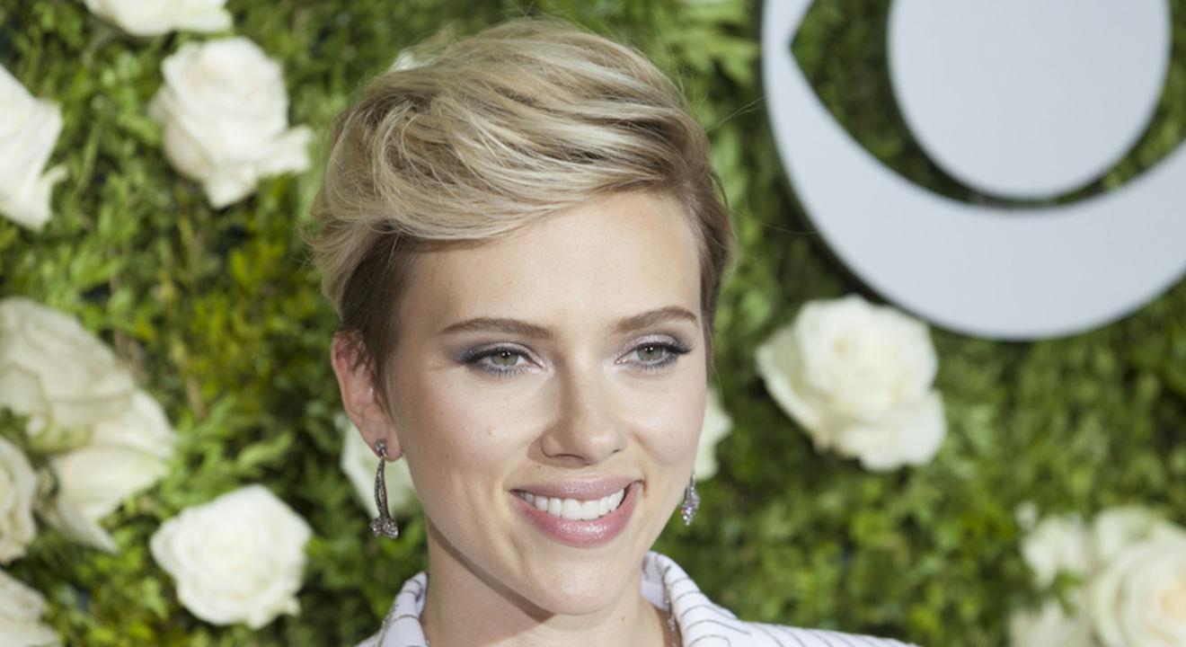 Who is Scarlett Johansson? Entity 5 facts on Scarlett Johansson.