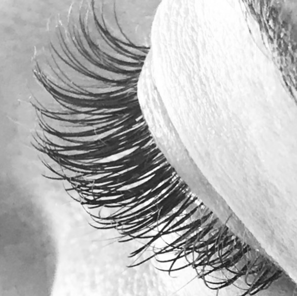 ENTITY gives a complete guide to eyelash extensions.