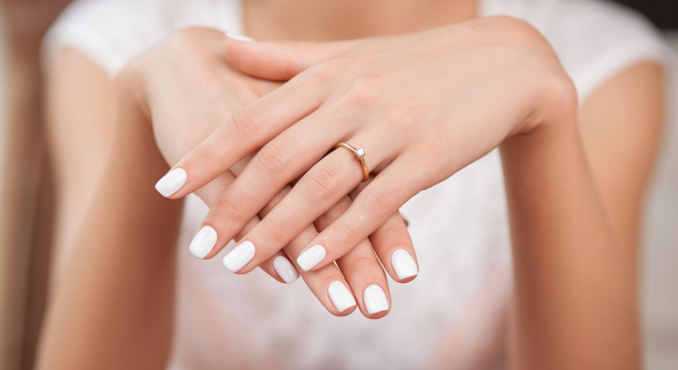 Entity explains why getting that gel manicure may be bad for your nails.