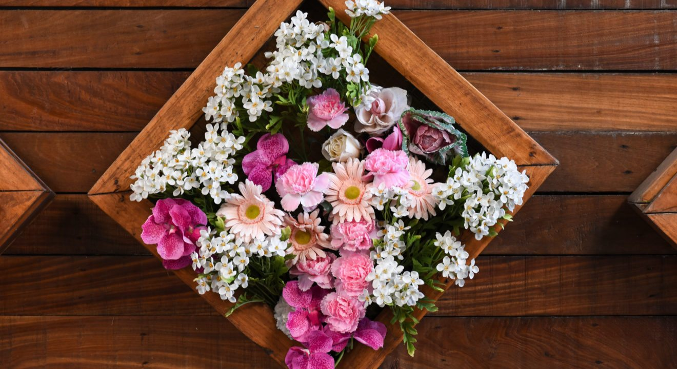 A savvy womans guide to buying the perfect flower arrangement entity shares a guide for savvy women to buy the perfect flower arrangement izmirmasajfo