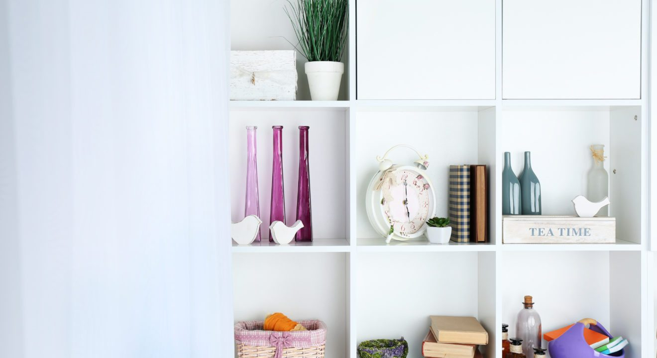 7 things you can put on your bookcase other than books - Things to put on a wall ...