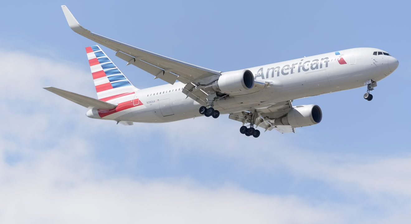American Airlines Wifi Has Cost Them Money Now They Re Suing