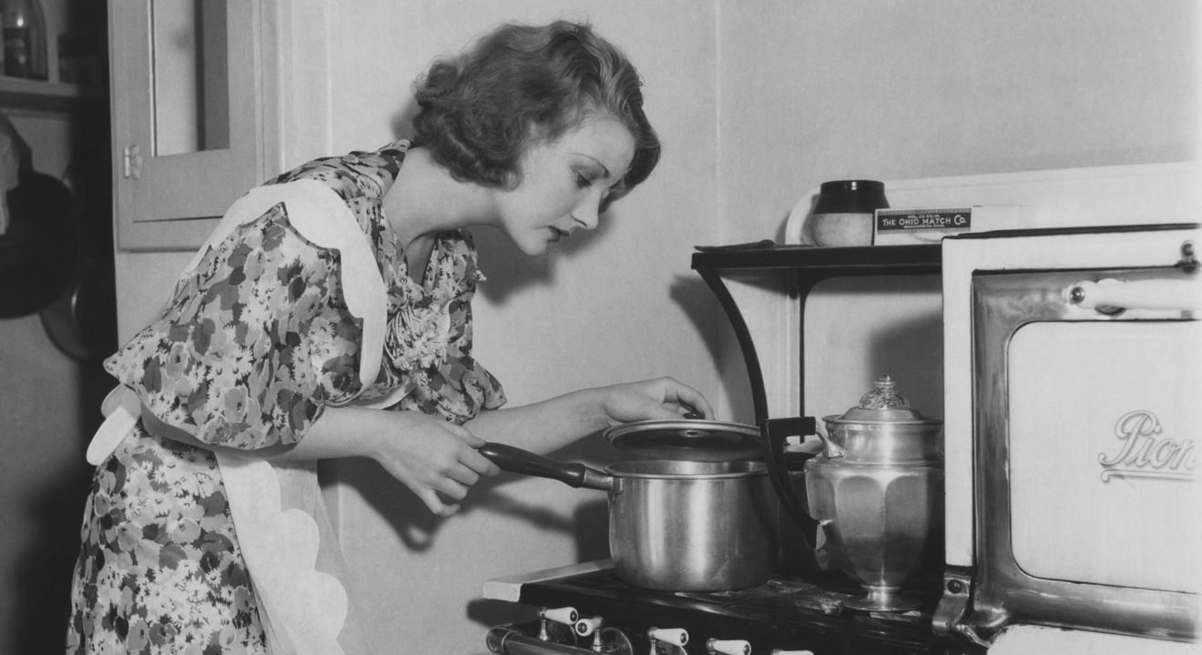 Lawmakers Sundays Women Making Breakfast In Bed