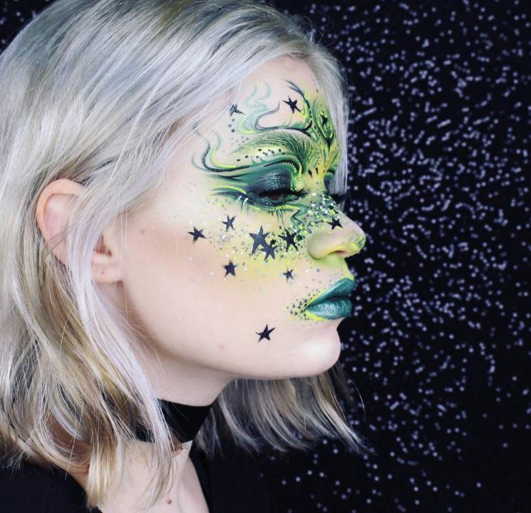 ENTITY interviews Instagram avant garde makeup artist Heather Moorhouse aka @makeupmouse.