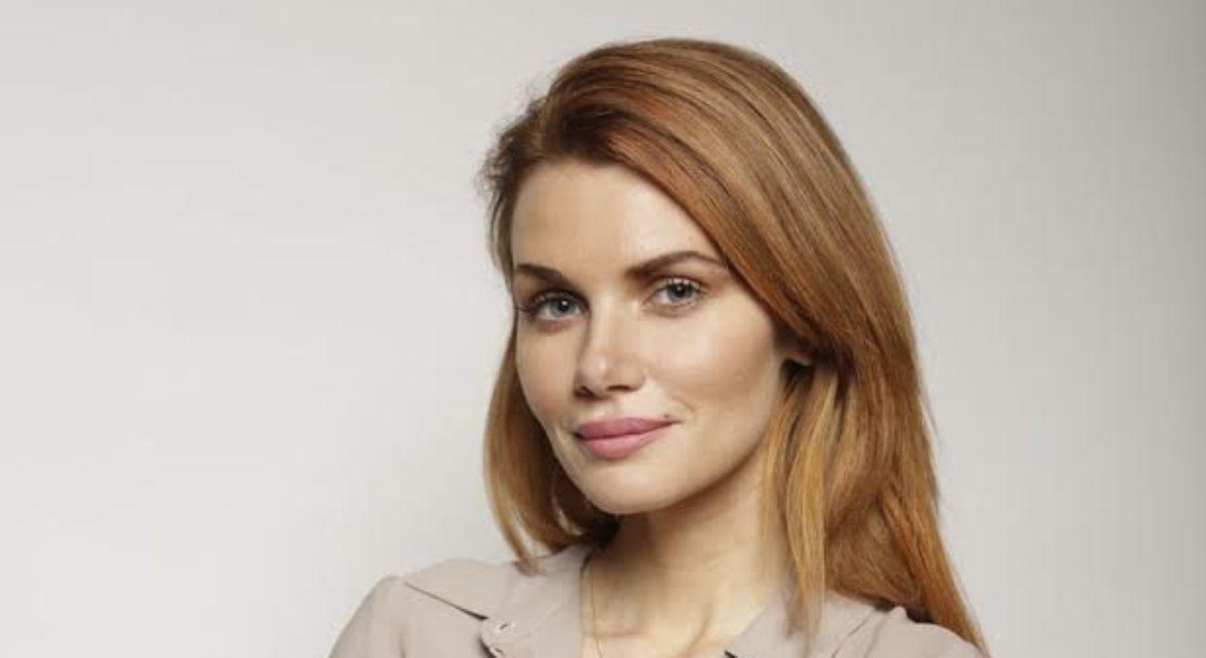 ENTITY interviews former model and anorexia survivor, Nikki DuBose.