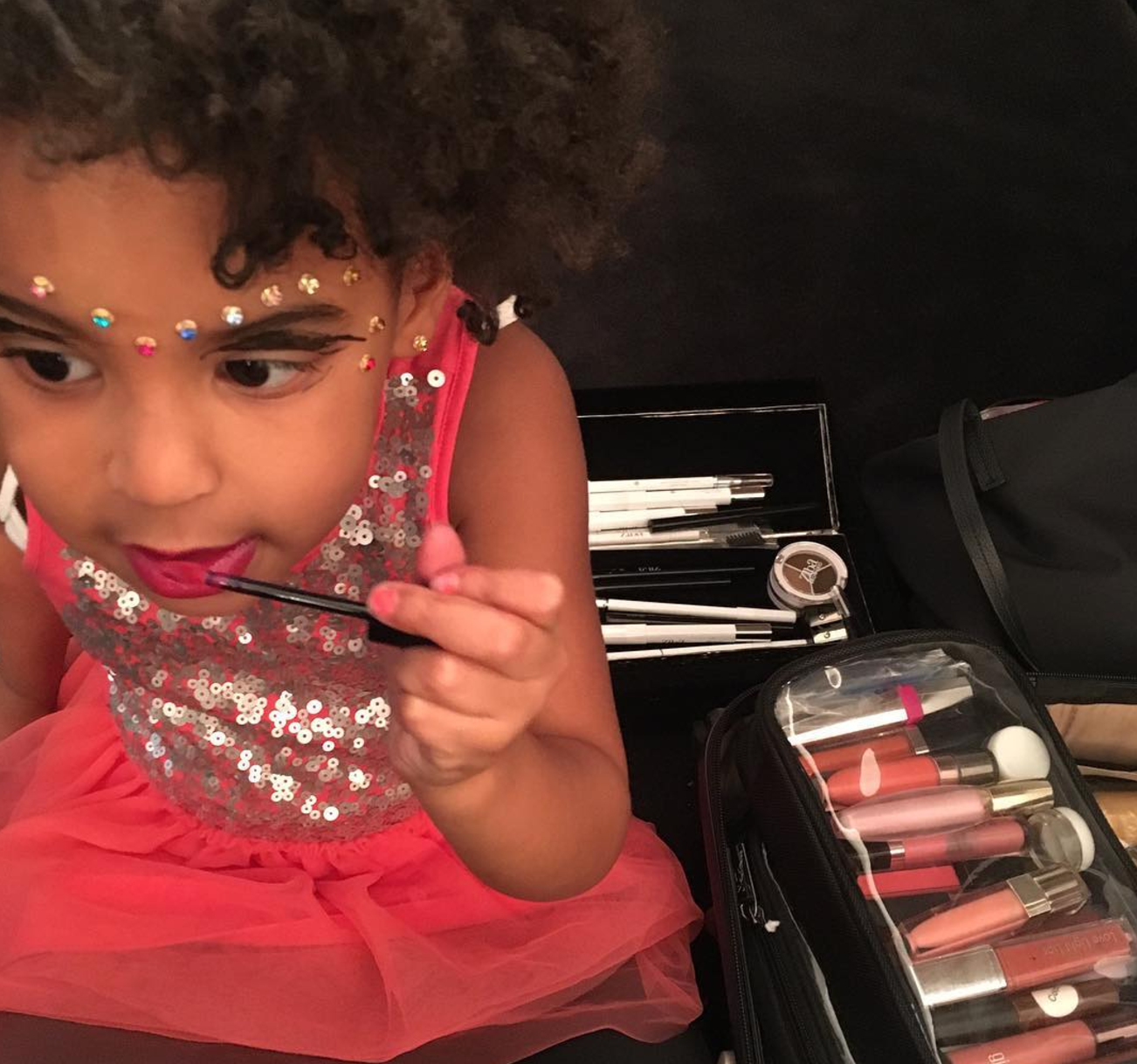 3 When she gave everyone a Blue Ivy-style makeup tutorial.