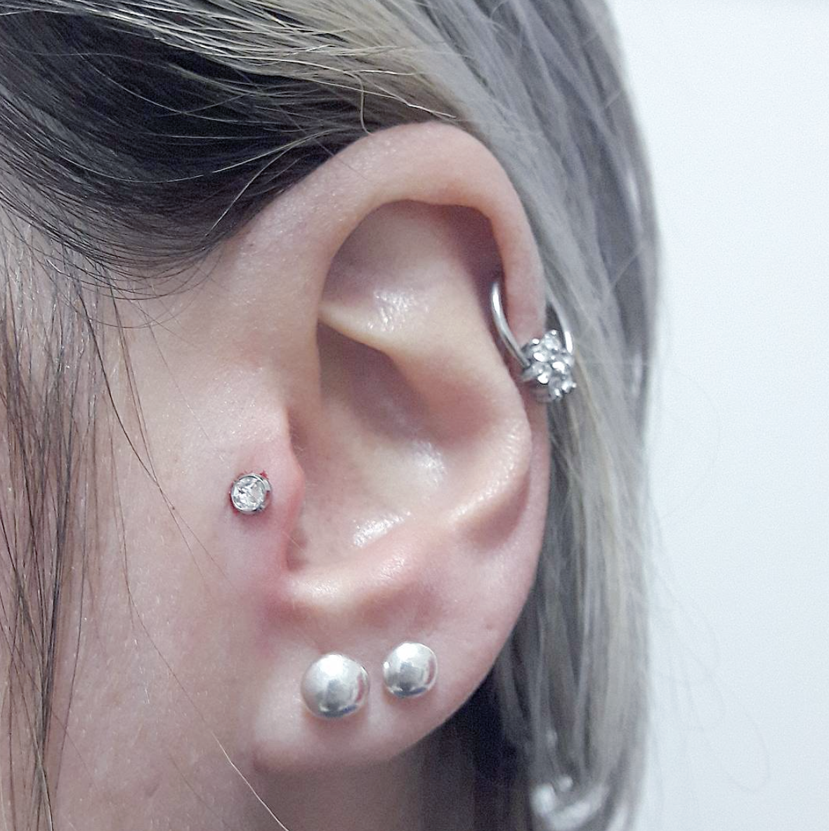 Want A Tragus Piercing Heres Everything You Need To Know About It